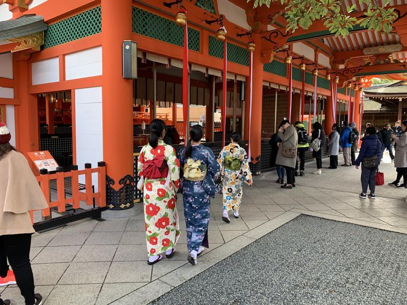 伏見稲荷大社にて(自主研修)